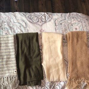 Bundle of scarfs